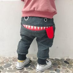 The 'Smiling Gronk' Harem Pant - Schnittmuster Babykleidung - Baby Clothes Baby Boy Shoes, Toddler Shoes, Toddler Girl, Hip Hop Tanz, Baby Boy Outfits, Kids Outfits, Newborn Outfits, Summer Outfits, Boys Pants