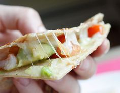 Shrimp Quesadillas with Tomato Avocado Salsa - Shrimp, avocados and melted cheese, what a combination! 8 points+ sounds like a good summer snack Seafood Dishes, Seafood Recipes, Mexican Food Recipes, Cooking Recipes, Skillet Recipes, Cooking Tools, Shrimp Quesadilla, Quesadillas, Avocado Quesadilla