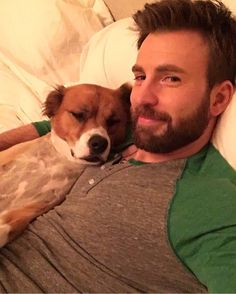 Image shared by Aʟᴇʏɴᴀ. Find images and videos about Marvel, chris evans and mcu on We Heart It - the app to get lost in what you love. Christopher Evans, Robert Evans, Chris Evans Beard, Steve Rogers, Capitan America Chris Evans, Chris Evans Captain America, Capt America, Cris Evans, Hero Marvel