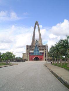 Basílica de Higuey llegada. Foto de 2005, by Nancy