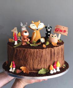 Rustic Woodland Bark Mould Woodland Animal cake by Eat'n'mess. Rustic Birthday Cake, Wedding Cake Rustic, Wedding Cakes, Animal Birthday Cakes, Baby Birthday Cakes, Woodland Theme Cake, Tree Stump Cake, Fox Cake, Cute Cakes