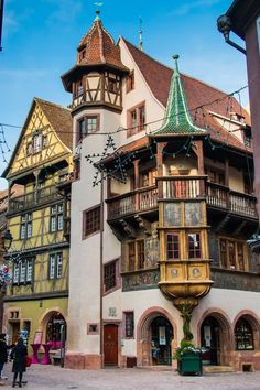 Maison Pfister, Colmar, France by Karsten Thalau on ᘡղbᘠ Beautiful World, Beautiful Places, Beautiful Streets, Travel Around The World, Around The Worlds, Places To Travel, Places To Visit, Alsace France, Medieval Houses