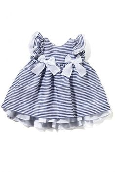 Beautifully classic example of top designer label Italian fashion from Il Gufo showing at Pitti Bimbo today. Cute Baby Dresses, Little Girl Dresses, Girls Dresses, Baby Kind, My Baby Girl, Baby Girls, Baby Girl Fashion, Kids Fashion, Classy Fashion