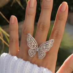 The most prevalent of engagement customs is the groom providing his bride-to-be to be with a ring. Many often, the engagement ring is a diamond ring. However, diamonds are not the only valuable stones utilized in engagement rings. Cute Jewelry, Bridal Jewelry, Women Jewelry, Simple Jewelry, Fashion Jewelry, Butterfly Ring, Butterfly Jewelry, Diamond Jewelry, Jewelry Rings