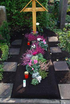 grabgestaltung pflegeleicht wenig aufwand floristik g rtnerei matthias maas in rees. Black Bedroom Furniture Sets. Home Design Ideas