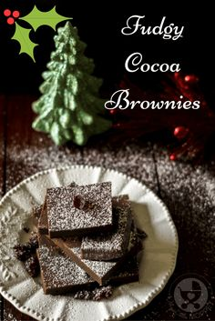Celebrate winter and Christmas with some gooey, fudgy cocoa brownies that simply melt in your mouth! Great to gift or eat by yourself!