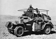 A Afrika Korp SdKfz 261 that was a unarmed radio car variant used to communicate with 'Heer' troops. The similar SdKfz 260 was a radio car used to communicate with Luftwaffe forces Pictures Of Soldiers, Military Pictures, Mg 34, Afrika Corps, Armored Vehicles, Armored Car, Armoured Personnel Carrier, Italian Army, Military Armor