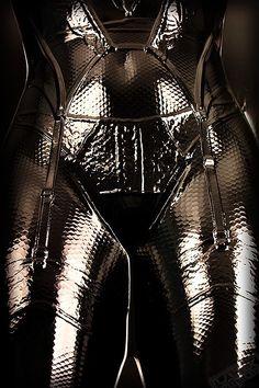 Kinky Play by Mistress Clara Heavy Metal Fashion, Female Armor, Cybergoth, Second Skin, Boudoir Photography, Alternative Fashion, Kinky, Cosplay Costumes, Latex