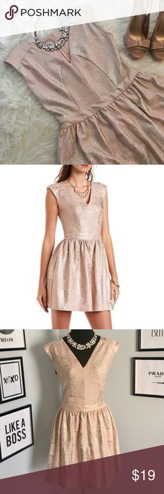 {Charlotte Russe} Metallic Brocade Skater Dress {Charlotte Russe} Metallic Brocade Skater Dress. Blush pink and gold. Long zipper in the back. Lined with under skirt. Excellent condition. Bundle and save! Charlotte Russe Dresses Midi