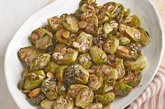 Enjoy tasty Brown-Butter Brussels Sprouts in just 30 minutes! Create a simple Christmas dinner side dish with our Brown-Butter Brussels Sprouts recipe. Vegetable Sides, Side Dishes Easy, Vegetable Side Dishes, Side Dish Recipes, Vegetable Recipes, Vegetarian Recipes, Cooking Recipes, Healthy Recipes, Recipes Dinner