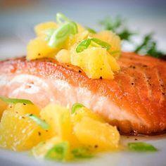 Citrus salmon with orange relish, rice and fresh herbs Healthy Salmon Recipes, Fish Recipes, Seafood Recipes, Recipies, Salmon And Rice, Orange Recipes, Fish Dishes, Seafood Dishes, Grilled Salmon