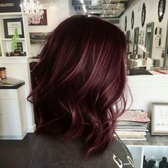 Are you looking for hair color dark hairdos See our collection full of hair color dark hairdos 2018 and get inspired! Hair Color And Cut, Hair Color Dark, Cool Hair Color, Dark Hair Style, Dark Burgundy Hair Color, Burgundy Highlights, Fall Hair Colors, Hair Affair, Hair Today