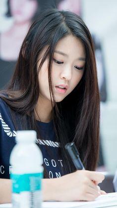AOA SeolHyun Her HAIR