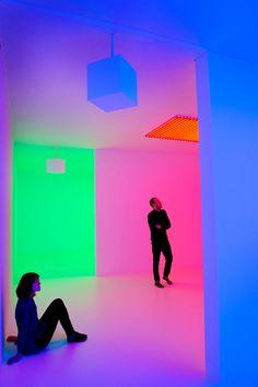 Carlos Cruz-Diez, Chromosaturation, 1965-2013 – Light Show – Hayward Gallery, Southbank Centre, London