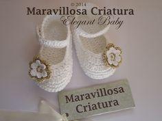Chaussons tricotés, Chaussures de bébé et bandeau bébé pour le Baptême est une création orginale de MaravillosaCriatura sur DaWanda