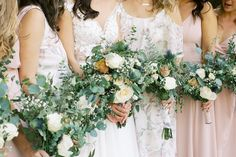 Amber and her maids are major DIY bouquet goals, don't you think? Photography: @breannaelizabethphoto