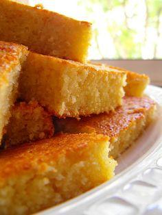 As receitas lá de casa: Bolo de maçã e coco com aroma a lima-limão