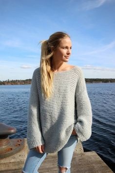Bilderesultat for skappelgenser Sweater Knitting Patterns, Knitting Sweaters, Warm Sweaters, Knit Fashion, Vintage Sweaters, Summer Wear, Everyday Fashion, Winter Outfits, Knitwear