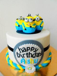 Despicable Me Cake