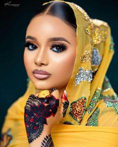 African Traditional Wedding Dress, Lush Beauty, Bridal Beauty, Pretty Makeup, Wedding Website, Beauty Queens, Henna, Color Pop, Marie