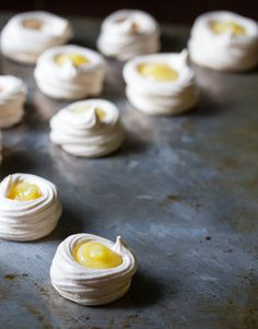 Lemon Meringue Pie Bites | sweetpeasandsaffron.com