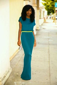 I'm not usually tall enough (or svelte enough) to wear (fitted) maxis but I love the simplicity, the beautiful teal with a pop of chartreuse
