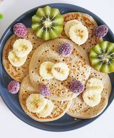Wholesome pancakes with oatmeal . Wholesome pancakes with oat flakes . Do you assume you'll be able to eat pancakes each morning? Breakfast Bread Recipes, Healthy Bread Recipes, Healthy Food Blogs, Healthy Muffins, Healthy Baking, Mini Crepe, Doce Light, Cooking Beets, Bowl Cake