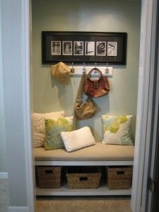 Making It Too Perfect: Day 10 - Laundry Room Closet - Mini Mudroom Area. Great idea for limited space!