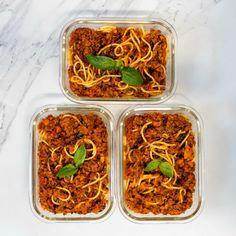Spaghetti Bolognese - Vegan Meal Prep Sunday Vegan Spaghetti, Spaghetti Bolognese, Vegan Beef, Sunday Meal Prep, Vegan Meal Prep, How To Double A Recipe, 30 Minute Meals, Food Processor Recipes, Vegan Recipes