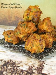 African Chilli Bites/ Bhaji / Kadala Mavu Bonda / Tea Kadai Bonda Spicy Recipes, Meat Recipes, Seafood Recipes, Indian Food Recipes, Cooking Recipes, Ethnic Recipes, Yummy Recipes, Starter Dishes, Winter Dishes