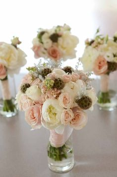Peach, pink & light gray boquets