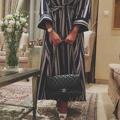 IG: byhindalmarri_ || Modern Abaya Fashion || IG: Beautiifulinblack