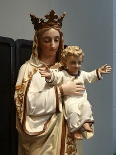 century french wooden Madonna and child statue Nativity Scenes, Record Players, Madonna And Child, Blessed Mother, Bobs, Heavenly, Beautiful Things, 19th Century, Catholic