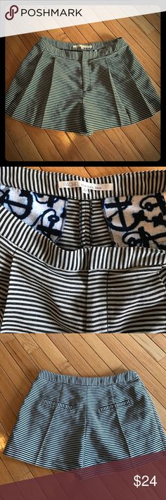 """Rachel Roy """"see the sea"""" size 6 Cute black and cream pleated Rachel Roy """"See the Sea"""" shorts. Size 6 Rachel Roy Shorts"""