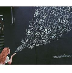 Street artist Kelsey Montague brings her Instagram-famous angel wings to the Sydney Writer's Festival   News Local Famous Street Artists, Instagram Wall, Collaborative Art Projects, Interactive Walls, Sidewalk Chalk Art, Murals Street Art, Mural Wall Art, Community Art, Public Art