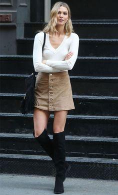 modelo-karlie-kloss-street-style-saia-suede-bota-over-the-knee