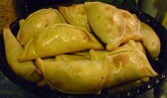Recetas chilenas: Empanadas de pino al horno. Ya va quedando poquito para que llegue el 18 de Septiembre, semana en la que Chile celebra comiendo y bailand