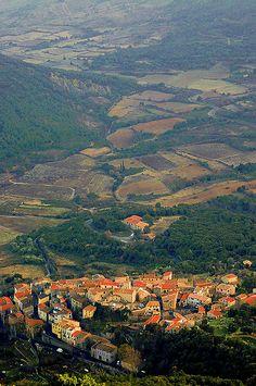 Duilhac-sous-Peyrepertuse Languedoc Roussillon, France