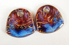 Handmade porcelain Earring Pairs purple and blue por Majoyoal