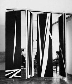Room divider by William Klein atAppartements Bignardi -Milano designed by Angelo Mangiarotti - 1952 #mangiarotti #design #screen
