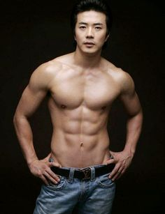 Nâng ngực cho nam bao lâu sẽ hồi phục