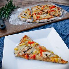 Gluten free, dairy free, soy free, sugar free, egg free but not taste free pizza. Gluten Free Vegan Pizza, Pizza Sans Gluten, Vegan Pizza Recipe, Cooking Recipes, Vegetarian Recipes, Pizza Vegana, Allergy Free Recipes, Vegan Foods, Food Allergies