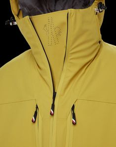 Fashion Details, Fashion Design, Fashion Project, Mens Activewear, Spring Fashion Trends, Apparel Design, Moncler, Sport Fashion, Sportswear