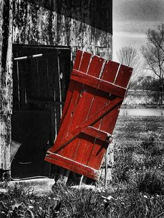 Leave the Door Open by Kristie Bonnewell Photography / color splash art Splash Photography, Color Photography, Black And White Photography, Black And White Colour, Black White Photos, Red And Grey, Color Splash Photo, Red Umbrella, Arte Pop