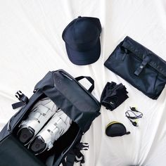 When I feel like my 10 minute fitness commitment just isn't going to cut it for the day, I know I need a good sweat! Travel Bag Essentials, Winter Trench Coat, My Gym, Toddler Fun, Travel Style, Fitness Inspiration, Lifestyle Blog, Fit Women, Gym Gear