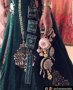 Trending Latkan Designs For Blouse & Lehenga That Are Sure To Glamourize Your Bridal Look! Indian Bridal Outfits, Indian Bridal Lehenga, Indian Designer Outfits, Wedding Lehnga, Wedding Dresses, Blouse Lehenga, Lehenga Choli, Anarkali, Green Lehenga