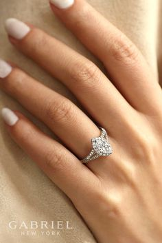 18k White Gold Halo Marquise Cut Engagement Ring