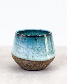 Pictures hand made Ceramics mugs Thoughts Echo Nr. 陶磁 陶磁 … – hug mGreat Pictures hand made Ceramics mugs Thoughts Echo Nr. 陶磁 陶磁 … – hug m Handmade English Cake Dish Ceramic Casserole Dish Wedding Pottery Mugs, Ceramic Pottery, Glazed Pottery, Glazes For Pottery, Blue Pottery, Pottery Bowls, Earthenware, Stoneware, Cerámica Ideas