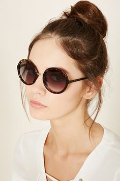 a91d5bcb65 FOREVER 21 gradient round sunglasses Sunglasses Accessories