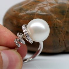 lustrous South Sea pearl and diamond ring Pearl Jewelry, Diamond Jewelry, Jewelry Rings, Silver Jewelry, Jewelry Accessories, Fine Jewelry, Jewelry Design, Pearl Bracelets, Pearl Rings